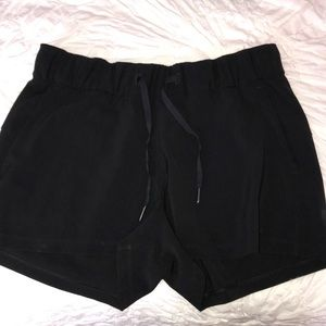 Lululemon on the fly woven shorts